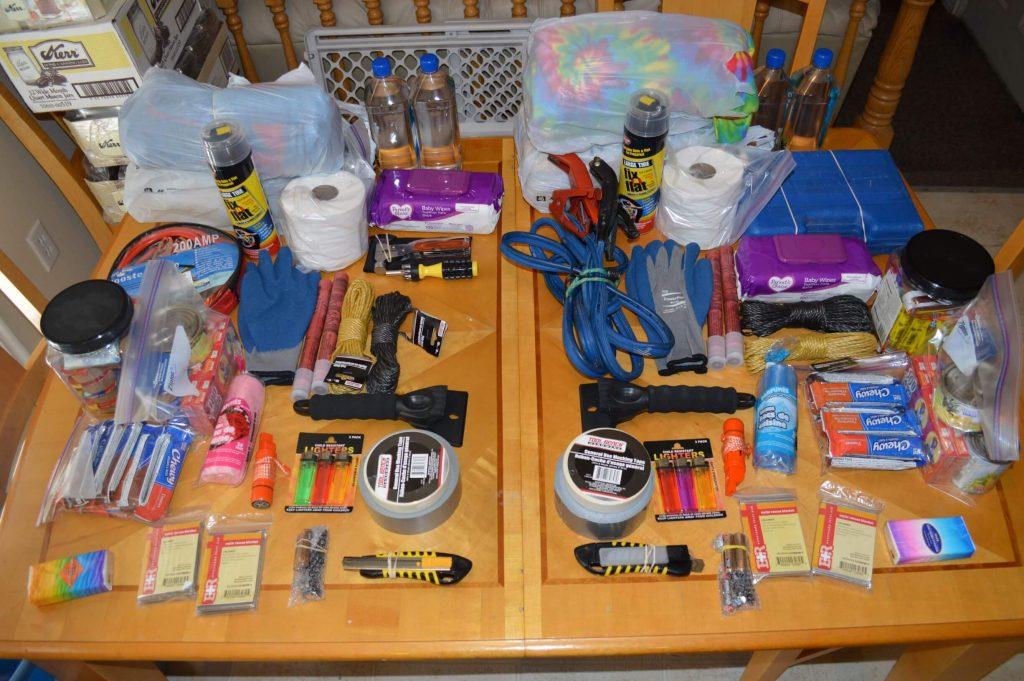 Car Emergency Kit - DIY Preparedness (1)