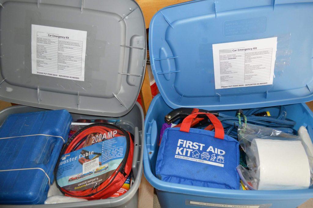 Car Emergency Kit - DIY Preparedness (12)