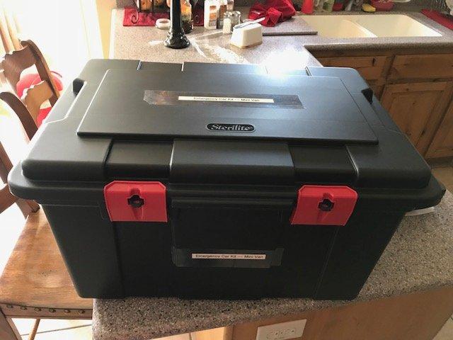 Car Emergency Kit Updated - DIY Preparedness (4)