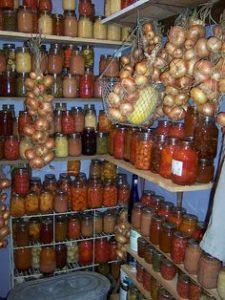 Bottled_Food_Stored_on_Shelves