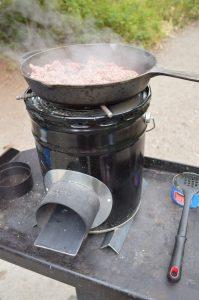 DIY_Preparedness_Rocket_Stoven_Stove_Cooking (3)-4mp