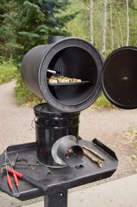 DIY_Preparedness_Rocket_Stoven_Using_Oven_For_Baking_Camping (4)-4mp
